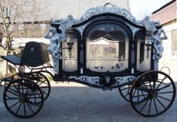 Bestattungswagen aus Adelsbesitz